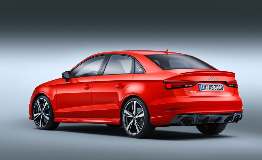 2018 Audi RS3 - Slide 23
