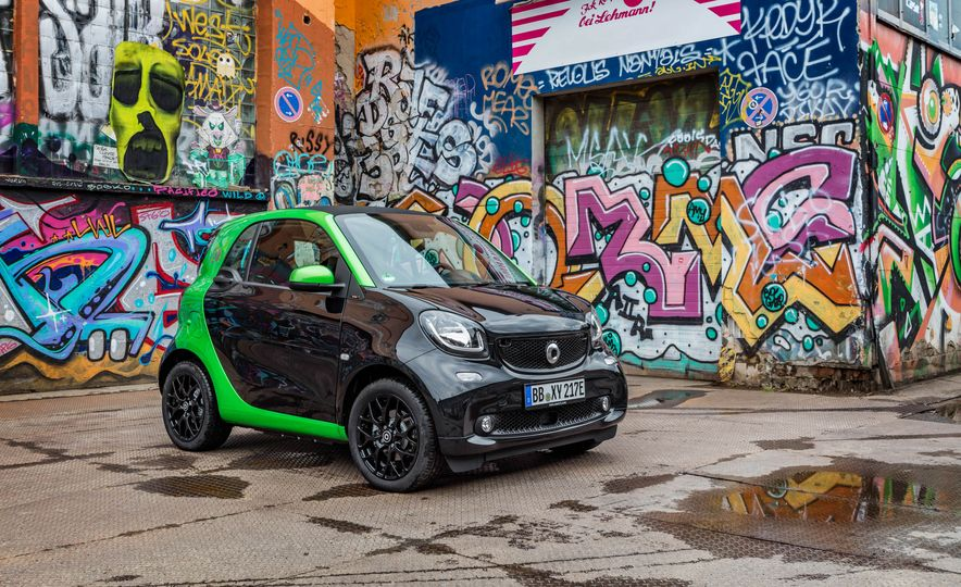 2018 Smart Fortwo Electric Drive - Slide 15
