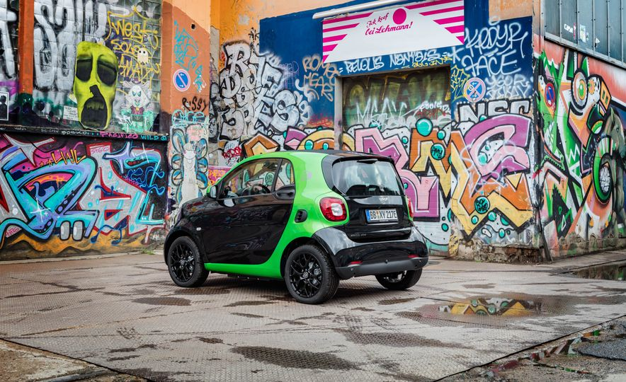 2018 Smart Fortwo Electric Drive - Slide 17
