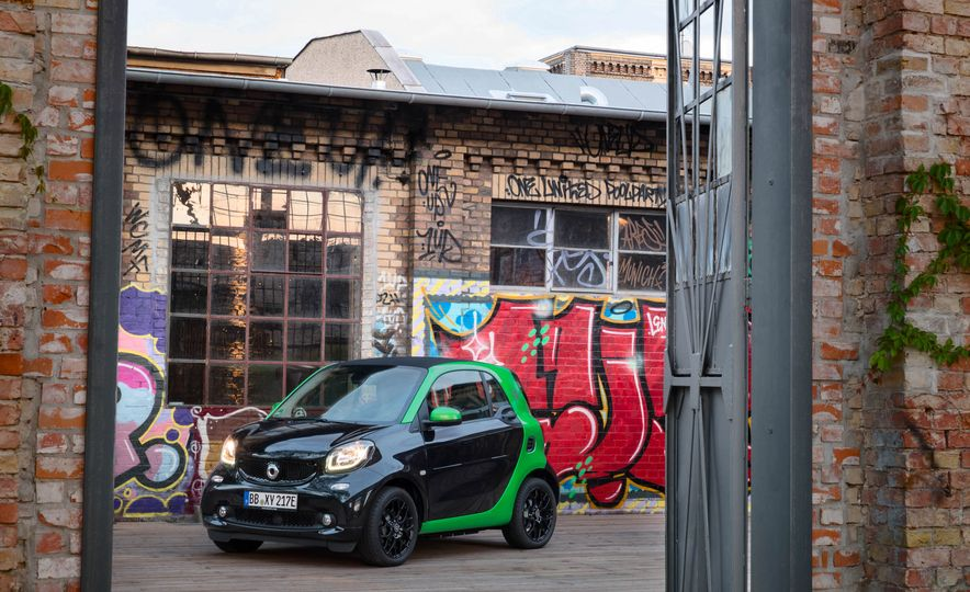 2018 Smart Fortwo Electric Drive - Slide 19
