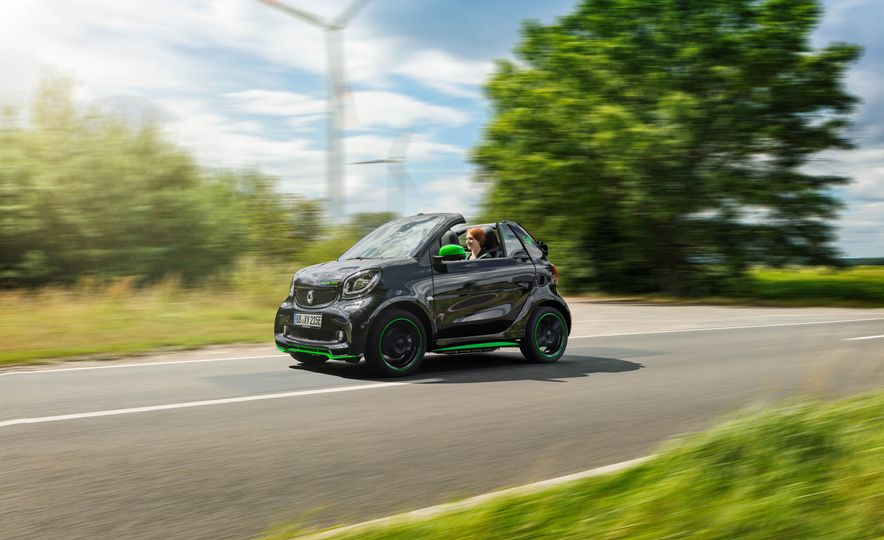 2018 Smart Fortwo Electric Drive - Slide 38