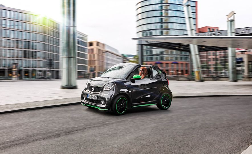 2018 Smart Fortwo Electric Drive - Slide 40