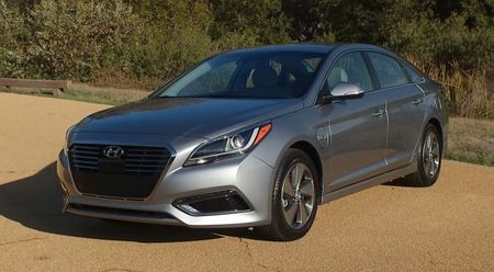 Electric AvenHue: New Colors, Connectivity for 2017 Hyundai Sonata Hybrid and Plug-In