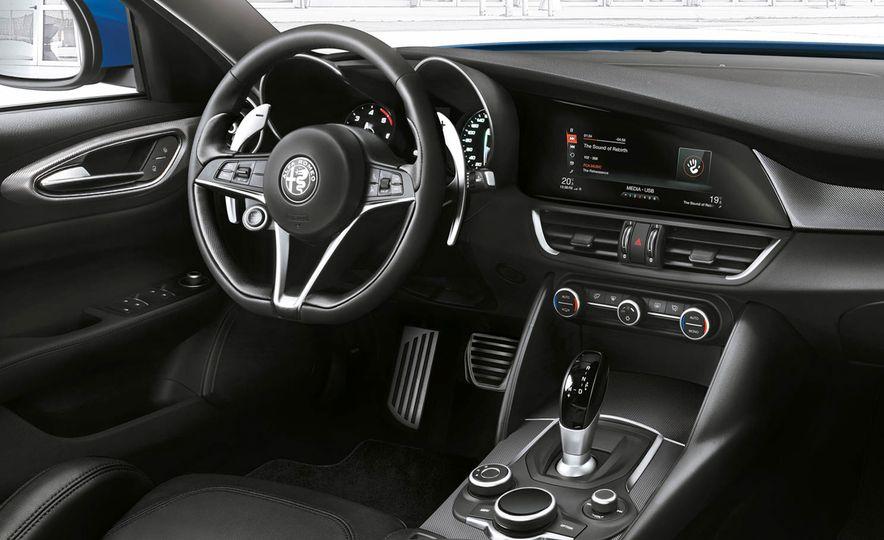 2017 Alfa Romeo Giulia Veloce - Slide 5
