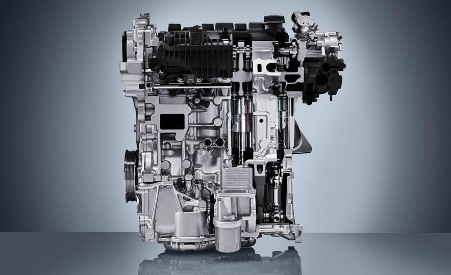 Infiniti VC-T engine cutaway - Slide 5