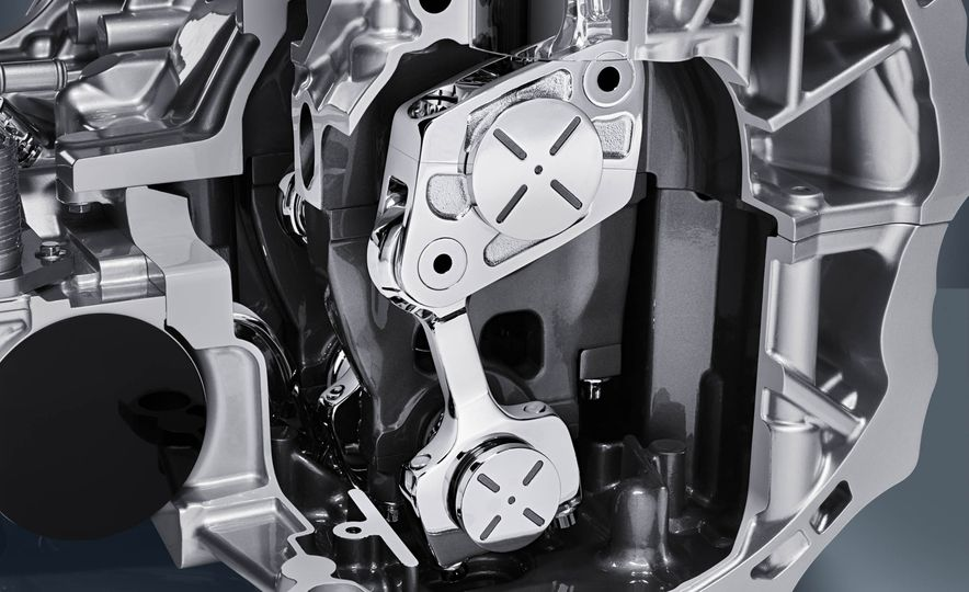 Infiniti VC-T engine cutaway - Slide 11