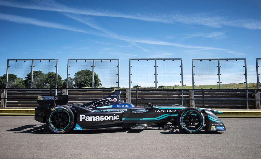 Jaguar I-type Formula E race car - Slide 4