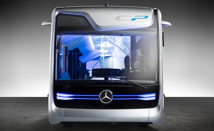 Mercedes-Benz Urban eTruck concept - Slide 27