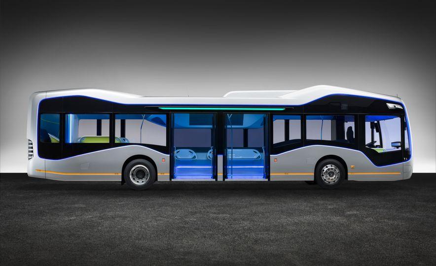 Mercedes-Benz Urban eTruck concept - Slide 30