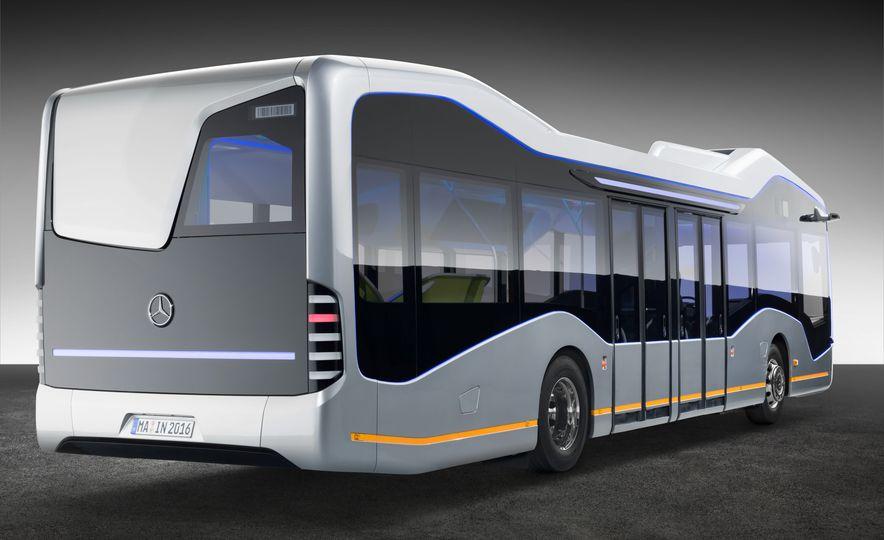 Mercedes-Benz Urban eTruck concept - Slide 31
