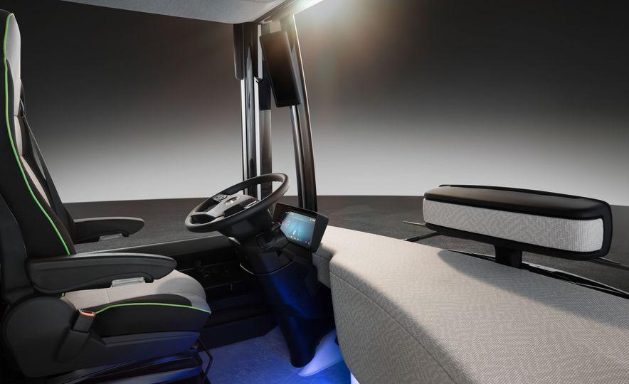 Mercedes-Benz Urban eTruck concept - Slide 32