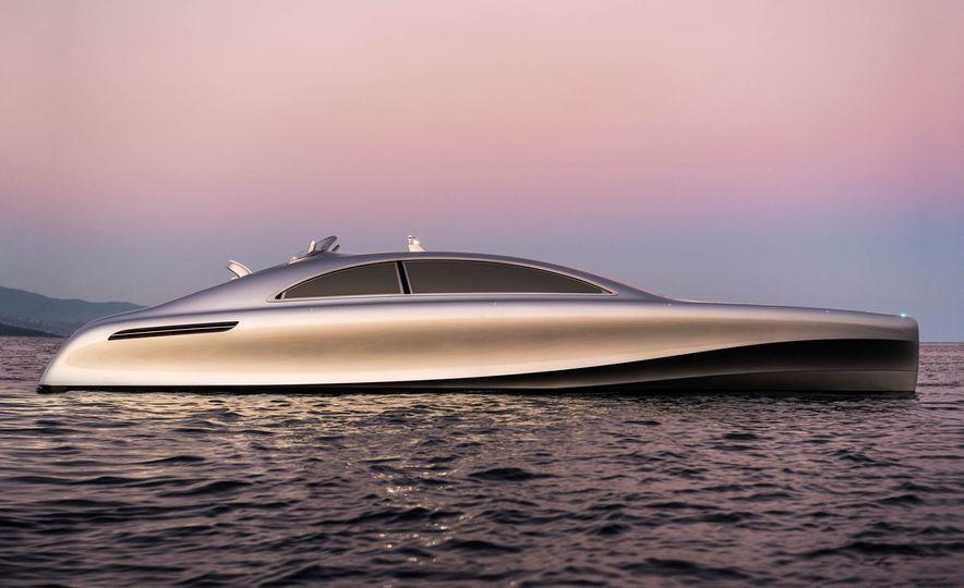 Mercedes-Benz Style Yacht - Slide 1