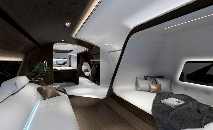Mercedes-Benz Style Yacht - Slide 8