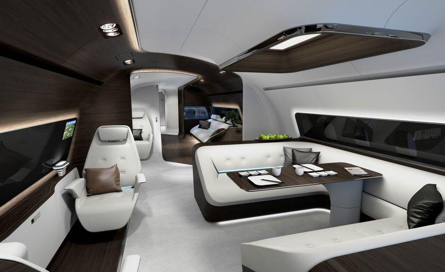 Mercedes-Benz Style Yacht - Slide 10