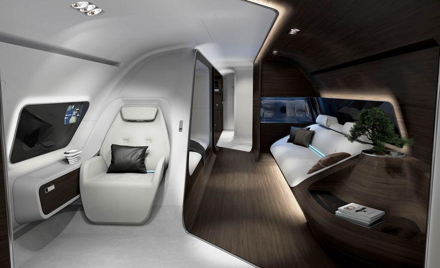 Mercedes-Benz Style Yacht - Slide 11