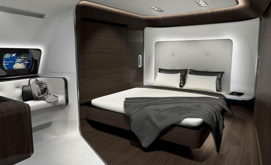 Mercedes-Benz Style Yacht - Slide 14