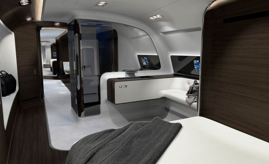 Mercedes-Benz Style Yacht - Slide 15
