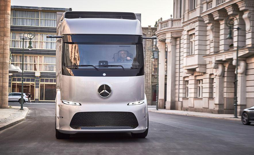 Mercedes-Benz Urban eTruck concept - Slide 3