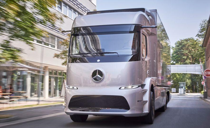 Mercedes-Benz Urban eTruck concept - Slide 4