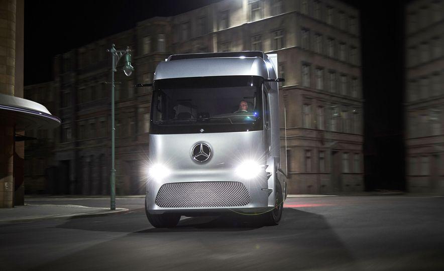 Mercedes-Benz Urban eTruck concept - Slide 8