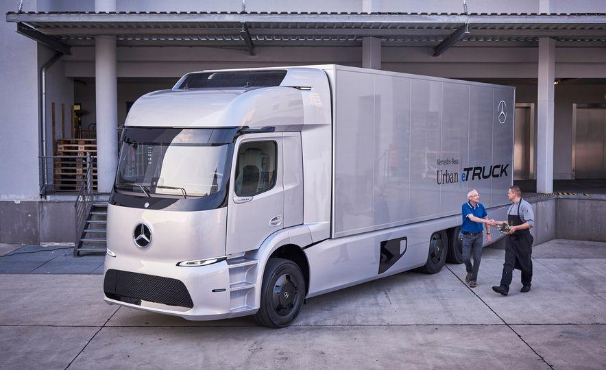 Mercedes-Benz Urban eTruck concept - Slide 10