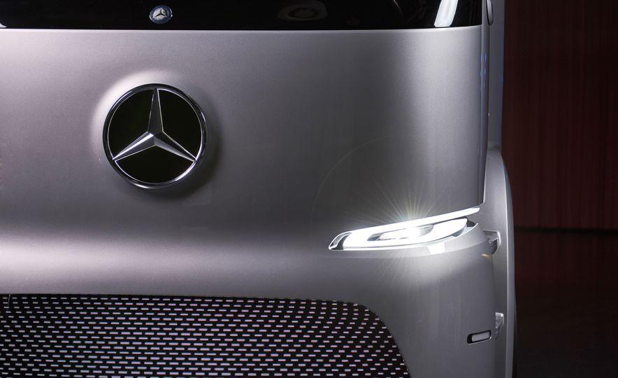 Mercedes-Benz Urban eTruck concept - Slide 14