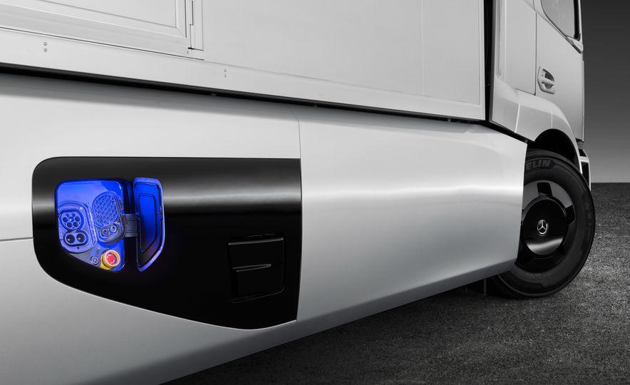 Mercedes-Benz Urban eTruck concept - Slide 17