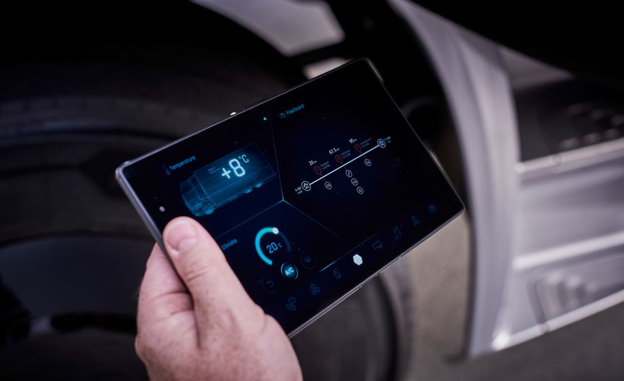 Mercedes-Benz Urban eTruck concept - Slide 24