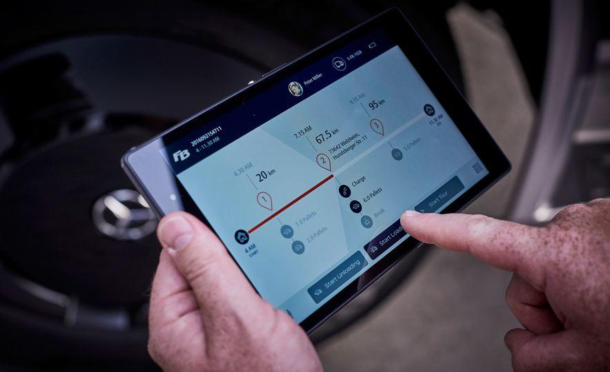 Mercedes-Benz Urban eTruck concept - Slide 26