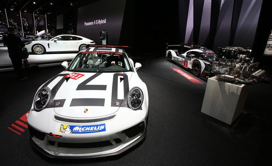 Porsche 911 GT3 Cup - Slide 3