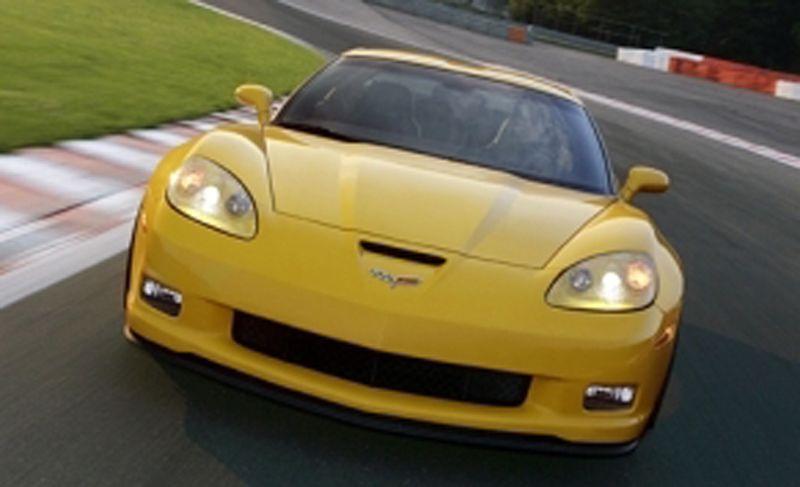 Lightning Lap Legends: Chevrolet Corvette vs. Porsche 911! - Slide 8