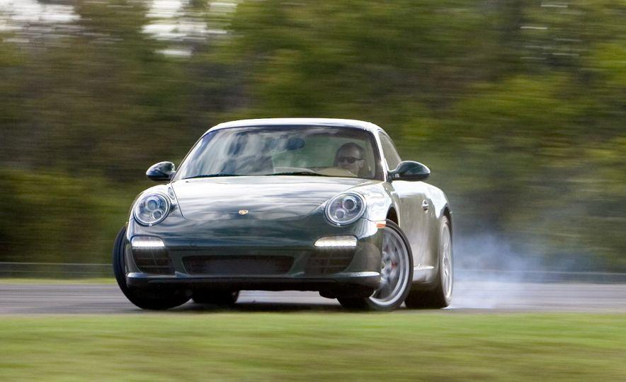 Lightning Lap Legends: Chevrolet Corvette vs. Porsche 911! - Slide 4