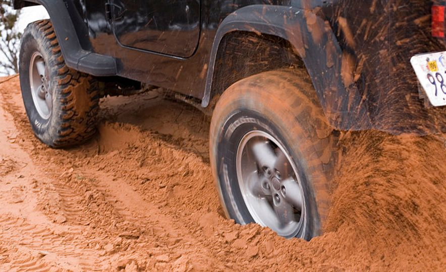 The 12 Basic Items Every Off-Roader Should Have - Slide 6