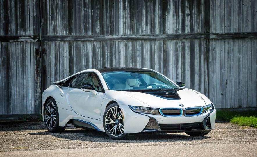 2016 BMW i8 - Slide 12