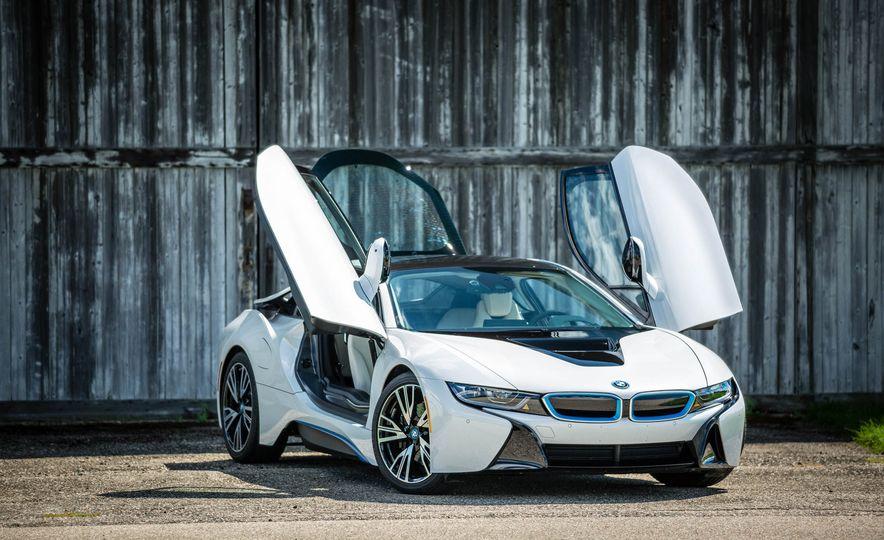 2016 BMW i8 - Slide 18