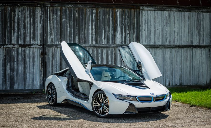 2016 BMW i8 - Slide 19