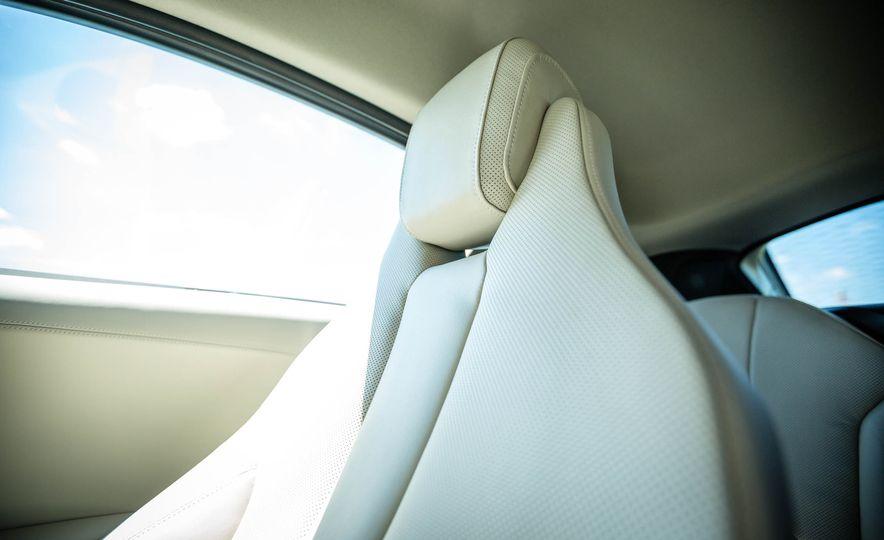 2016 BMW i8 - Slide 47