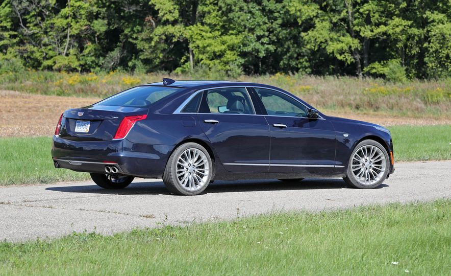 2016 Cadillac CT6 AWD - Slide 8