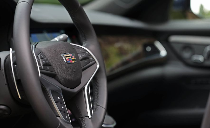 2016 Cadillac CT6 AWD - Slide 22