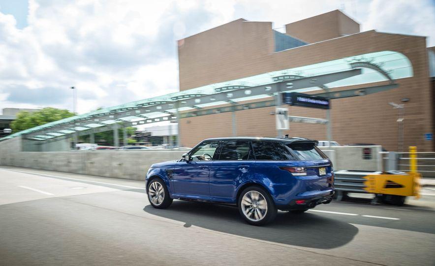 2016 Land Rover Range Rover Sport SVR - Slide 8