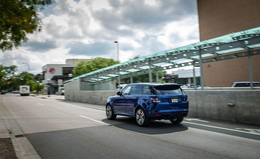 2016 Land Rover Range Rover Sport SVR - Slide 9