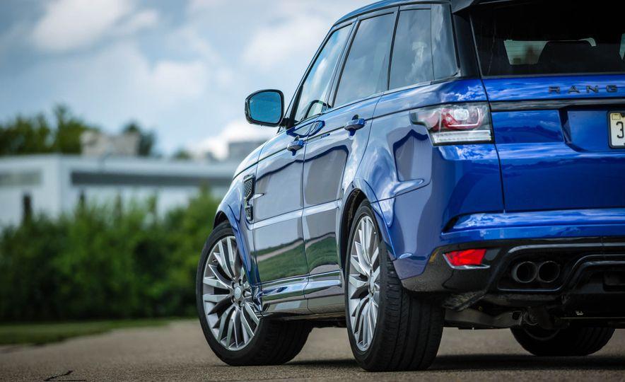 2016 Land Rover Range Rover Sport SVR - Slide 18