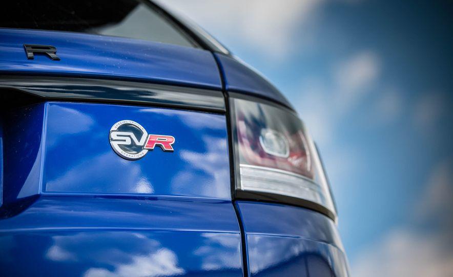 2016 Land Rover Range Rover Sport SVR - Slide 21
