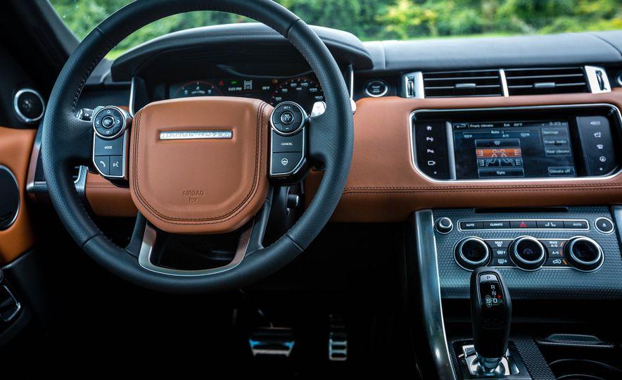 2016 Land Rover Range Rover Sport SVR - Slide 29