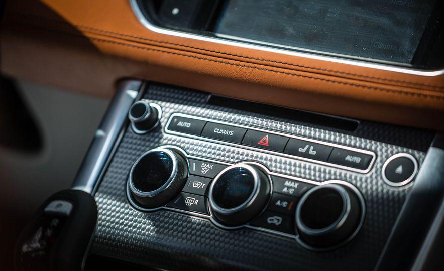 2016 Land Rover Range Rover Sport SVR - Slide 32