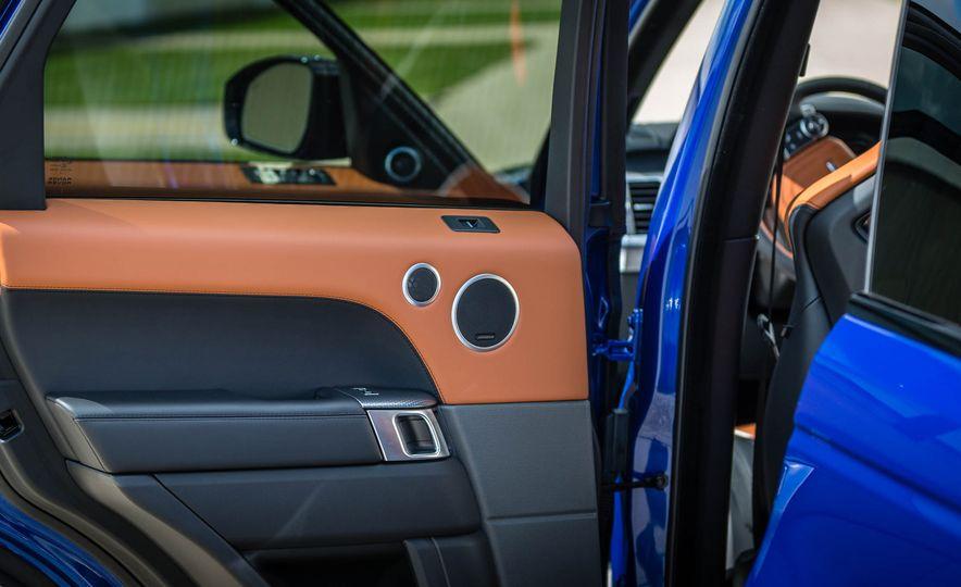2016 Land Rover Range Rover Sport SVR - Slide 35
