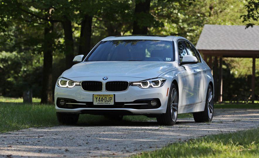 2017 BMW 330i - Slide 3