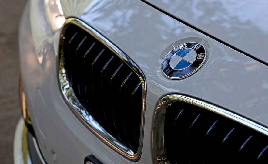 2017 BMW 330i - Slide 11