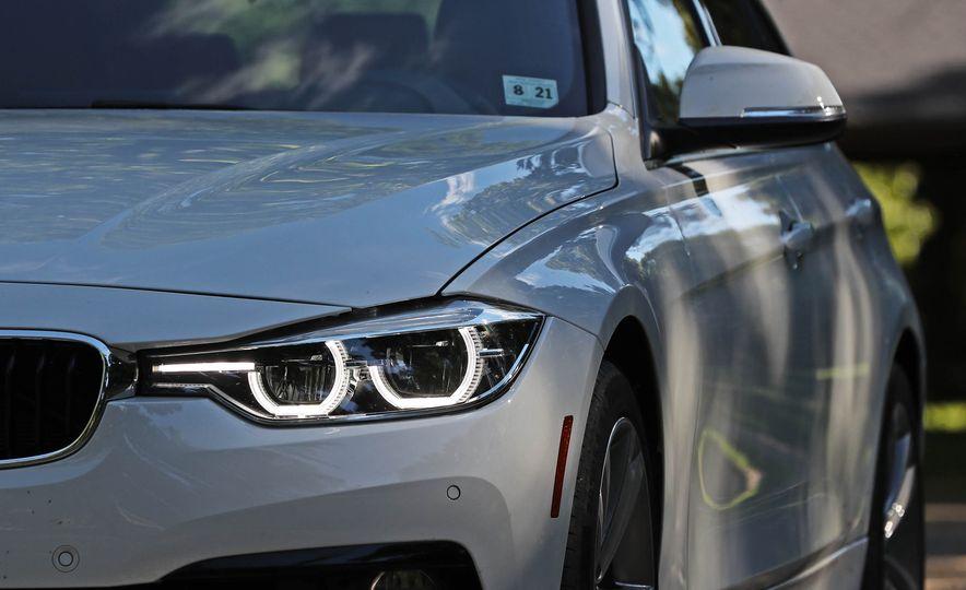 2017 BMW 330i - Slide 13