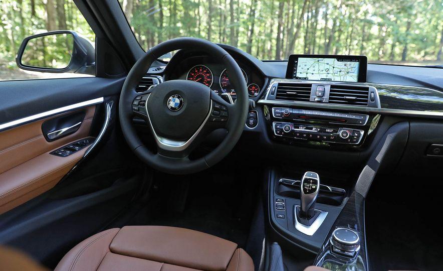 2017 BMW 330i - Slide 19